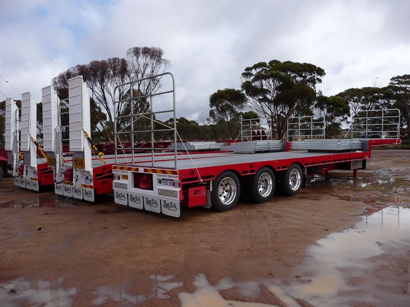 bruce rock engineering drop deck road train spec 555490 007