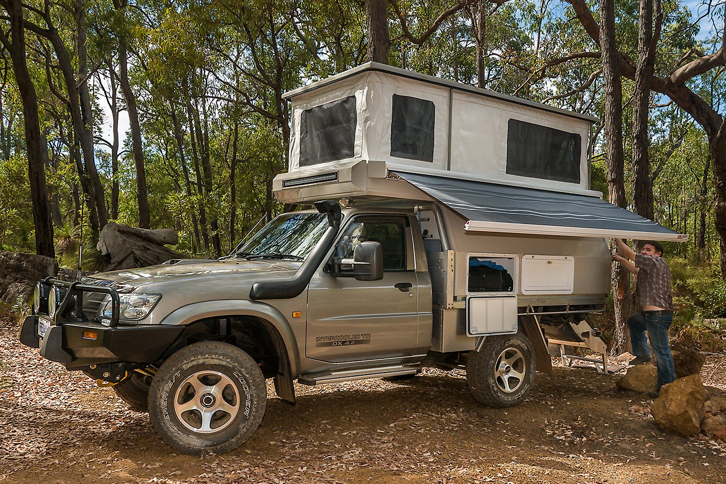 globatrol custom nissan patrol camper 4x4 australia. Black Bedroom Furniture Sets. Home Design Ideas