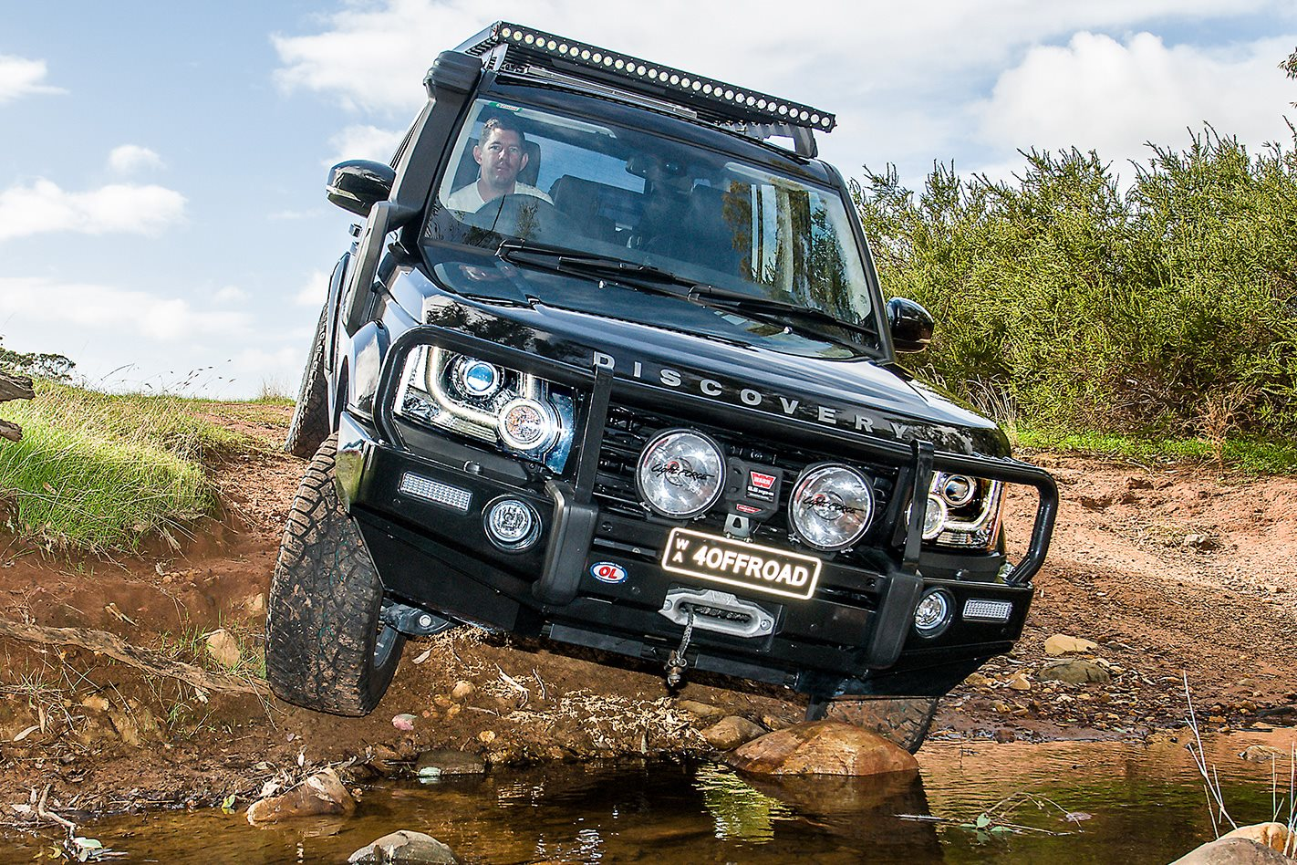 custom land rover discovery sdv6 review 4x4 australia. Black Bedroom Furniture Sets. Home Design Ideas