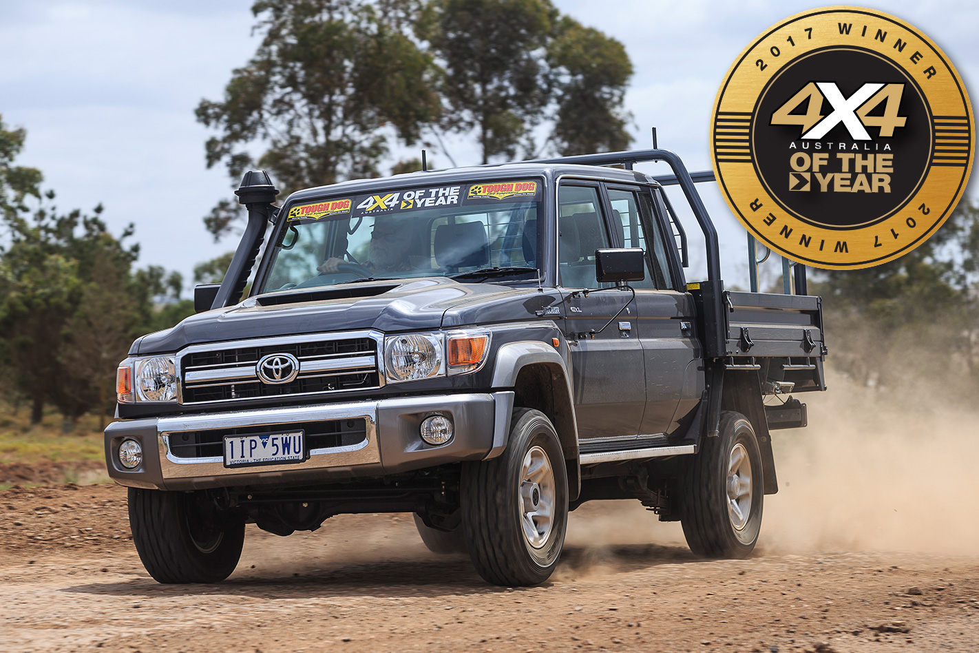 2017 4x4 of the year winner toyota landcruiser 79 double cab 4x4 australia. Black Bedroom Furniture Sets. Home Design Ideas