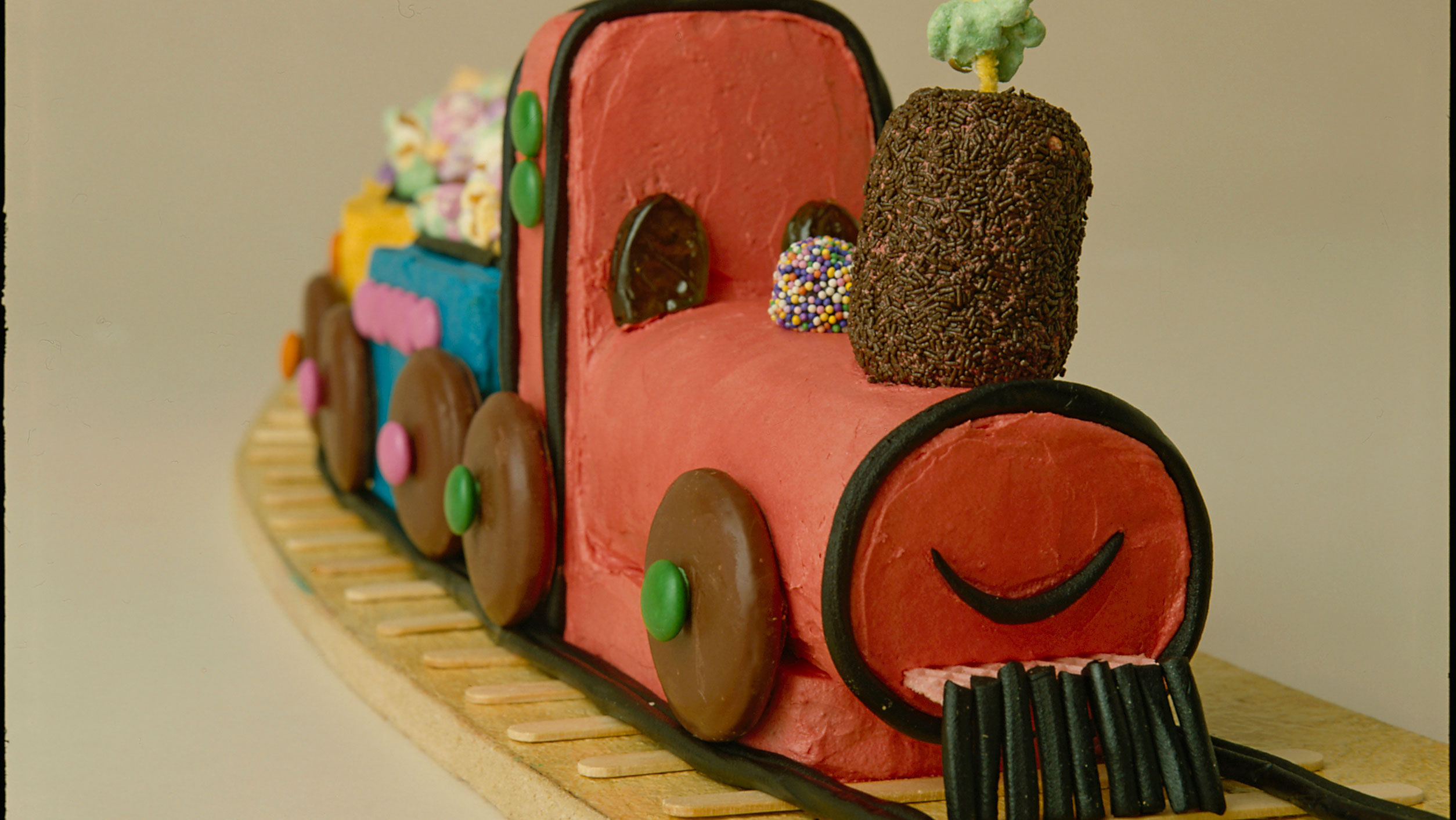 Video: How to make The Australian Women's Weekly train birthday cake