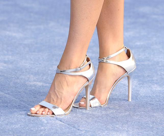 Stiletto no-no: why wearing heels could lead to a knee reconstruction