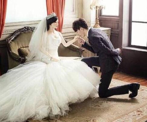 the saddest wedding picture ever taken australian women