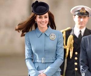 Kate dazzles in diamond brooch