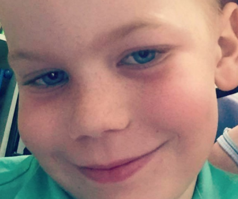 Parents of boy with brain tumour protest treatment in court