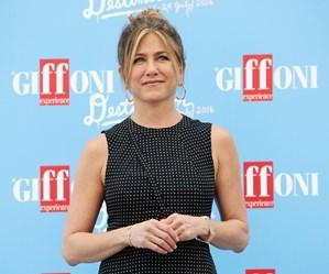 Jennifer AnisJennifer Aniston moved to tears as she speaks about heartbreakton moved to tears as she speaks about heartbreak