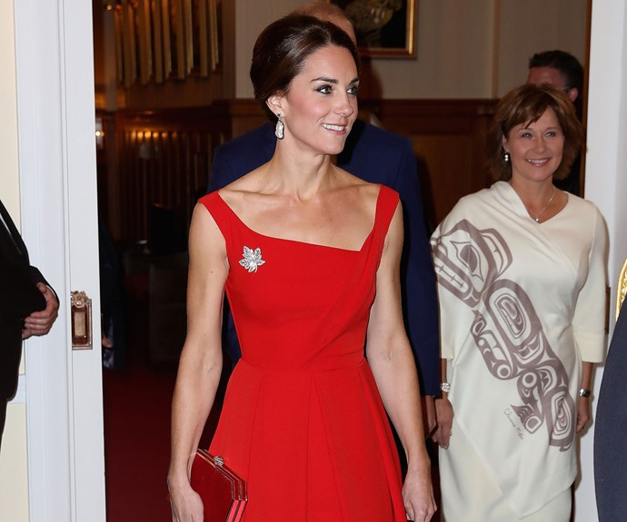 Kate stuns in fabulous scarlet gown