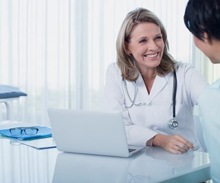 Female doctors said to be better than male doctors