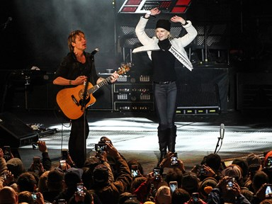 Nicole Kidman surprised fans with her dance moves at a Keith Urban gig