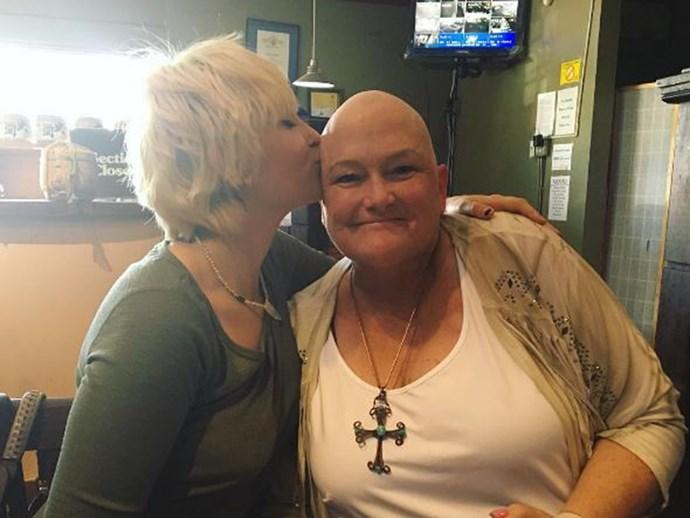 Paris Jackson's mum Debbie Rowe finishes chemotherapy