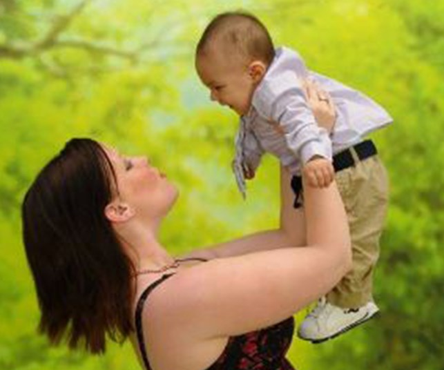 Jennifer Duncan protected her son from a nine-metre fall., and lost her leg in the process.