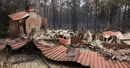 A house in Kinglake destroyed in the bushfires. (Credit: AFP)