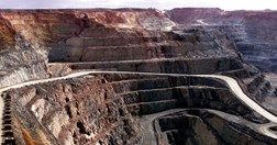 The Super Pit at Kalgoorlie, 595 km east of Perth (Photo: Getty Images)