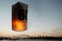 A floating lantern marks Earth Hour in Sydney (Photo: Getty Images)