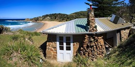 One of the original stone shacks on the headland at the north end of Era beach, NSW. (Credit: Andrew Gregory)