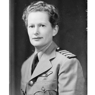 Nancy-Bird Walton, Australian Commandant, Women's Air Training Corps
