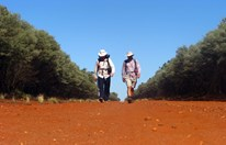 Brothers Barrie and Greg Bryan on the 450km return trek from Bourke to Hungerford, retracing Lawson's famous sojourn.
