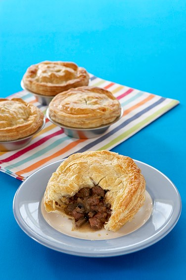 Meat pie australian geographic for Australian cuisine facts