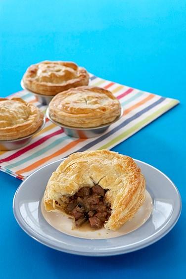 Meat pie australian geographic for Australian cuisine history