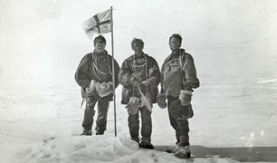 Alistair Mackay, T.W. Edgeworth David and Douglas Mawson (L-R) take a grim selfie at the South Magnetic Pole after an arduous trek in Antarctic.