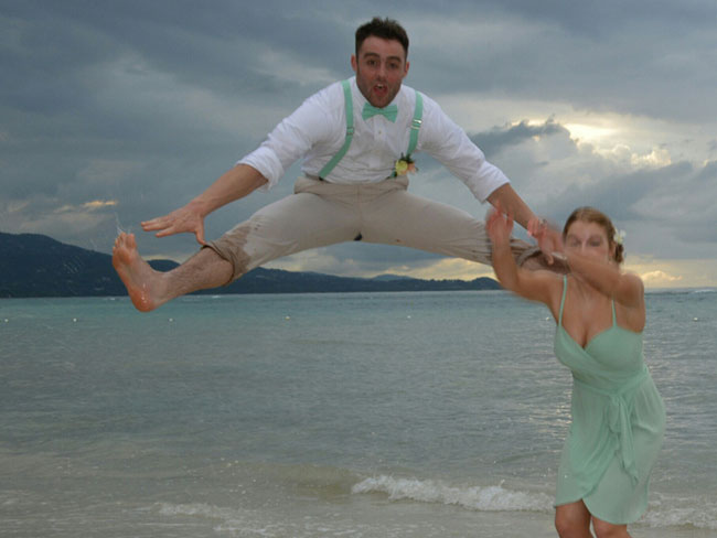 When wedding photos go bad