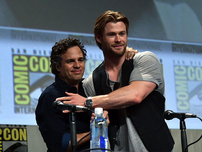 9 times Chris Hemsworth's arms were amazing at Comic Con