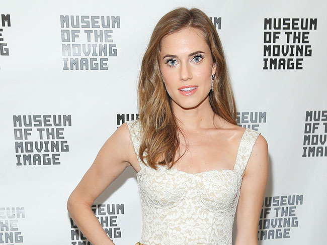 Allison Williams does Peter Pan
