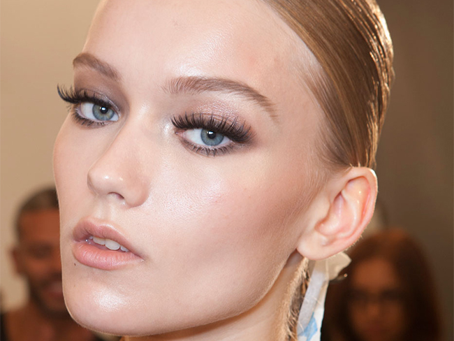 Apply false lashes like a pro