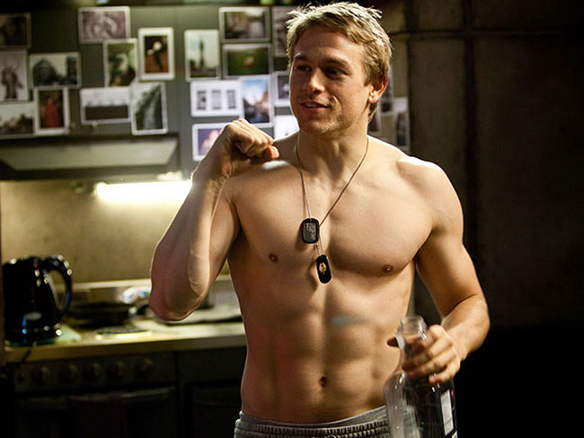 14 pics of Charlie Hunnam being hot