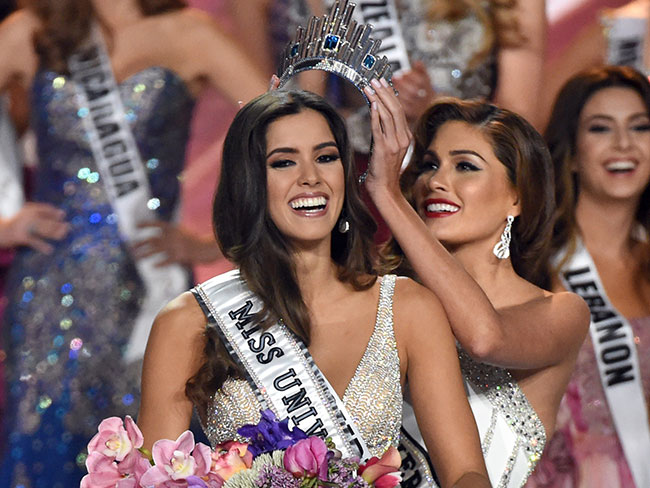 Miss Colombia wins