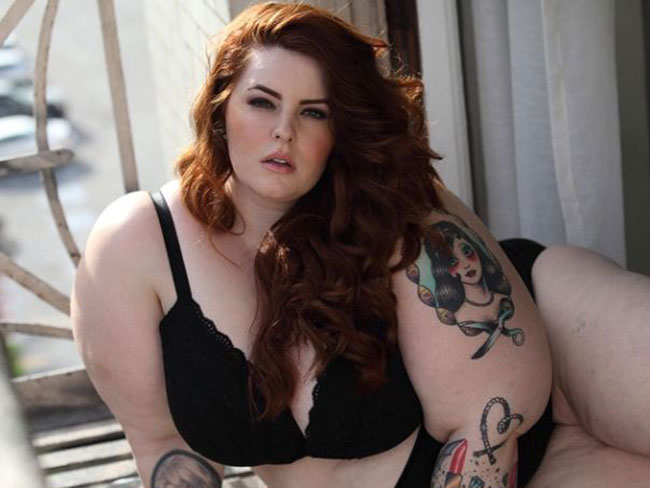 Tess Holliday is the biggest plus-size model to score a major contract