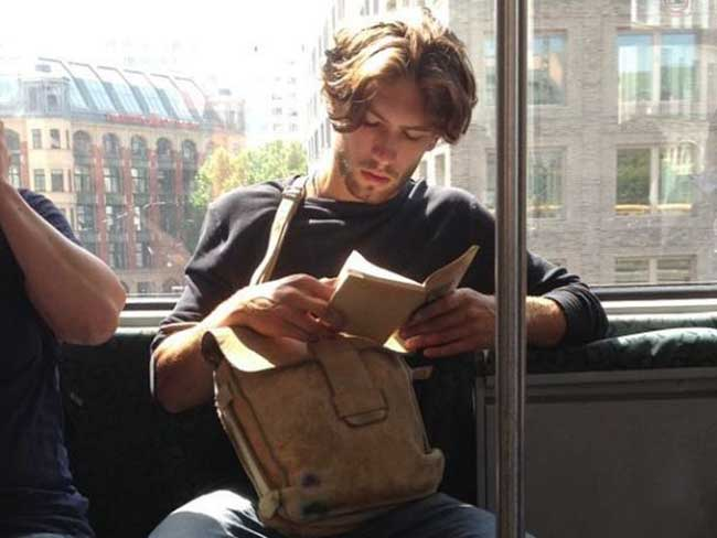 Hot Dudes Reading is your new favourite Instagram account