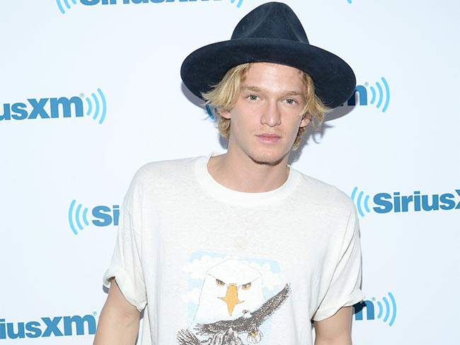 Cody Simpson has weighed in on the anti-vax debate