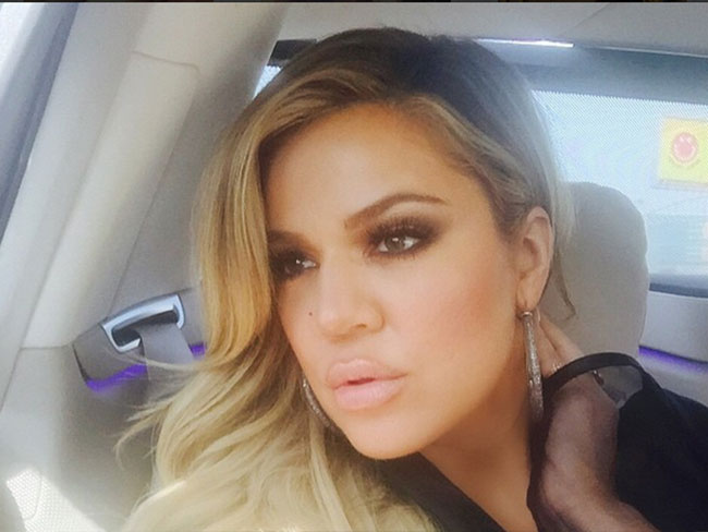 Khloe Kardashian's been posting kontroversial pictures… again