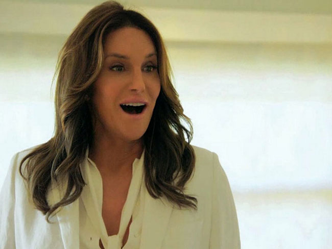 "Caitlyn Jenner is being ""begged"" by designers to wear their clothes on the red carpet"