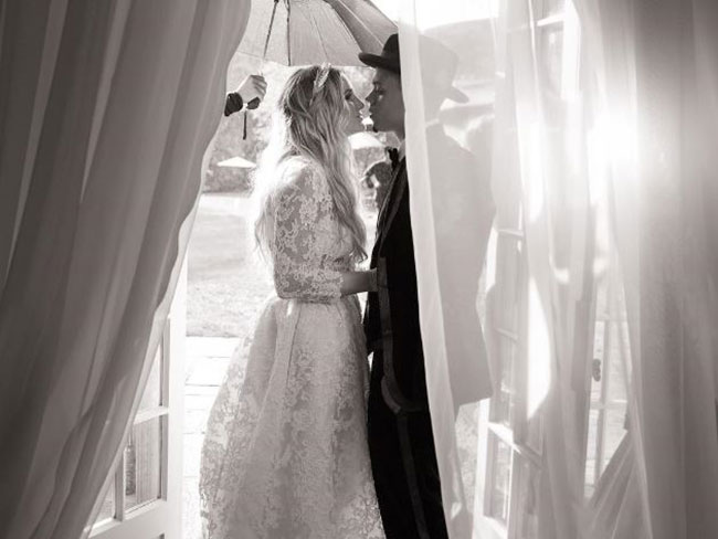 Ashlee Simpson and Evan Ross share their stunning wedding photos
