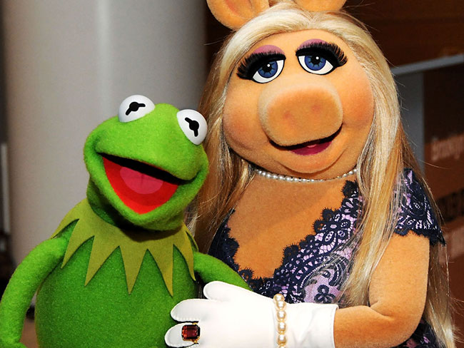 Miss Piggy and Kermit have broken up because there is officially no hope for any of us