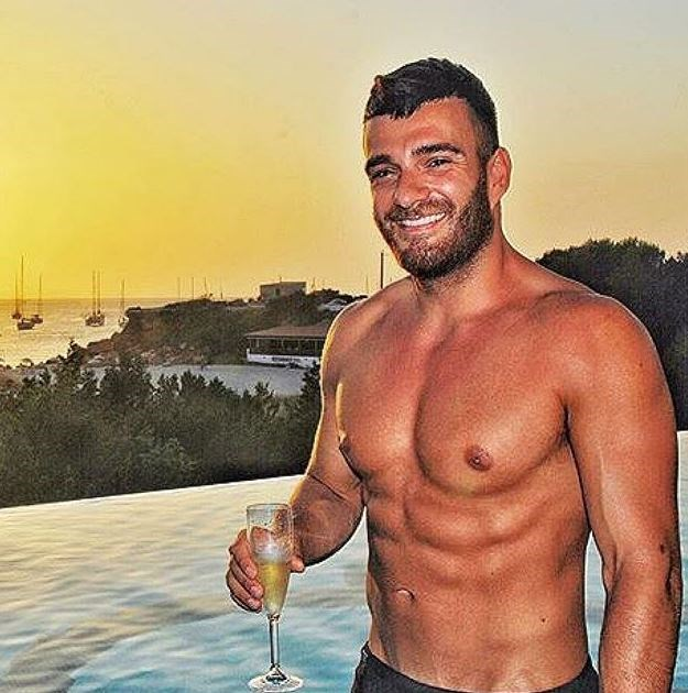Sunsets, champagne and MORE washboard abs.