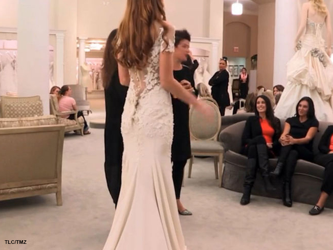 This might just be Jennifer Aniston's wedding dress