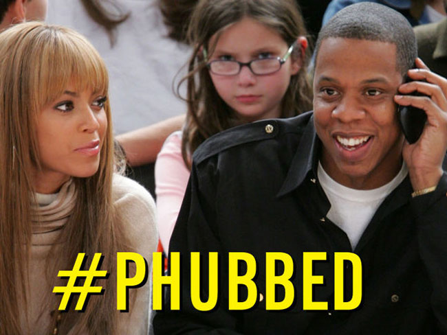 10 signs you are a massive phubber