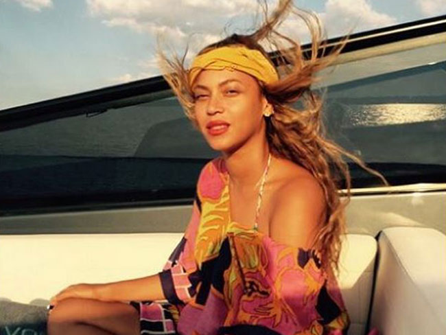 Beyonce and Jay Z are on holidays without us