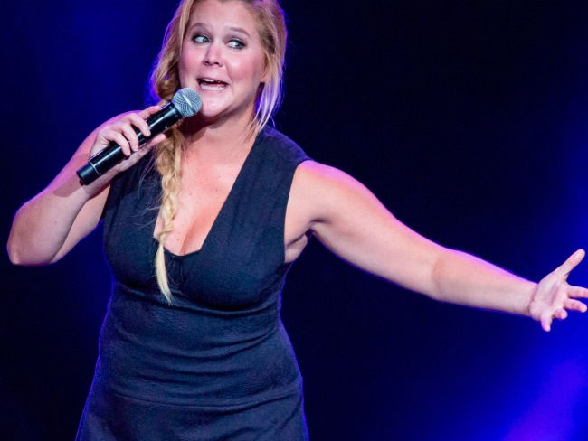 Amy Schumer makes new statement about the Kardashians