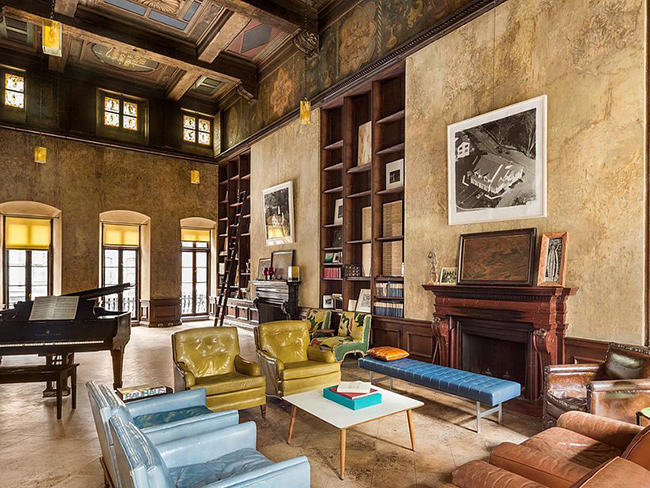 Mary-Kate Olsen and Olivier Sarkozy's house is INSANELY big