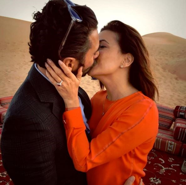 In the BEST news ever, Eva Longoria announced she's engaged to her bf of two years, Jose Antonio Baston, with this cute AF Instagram snap of the couple canoodling in Dubai. We can't even...