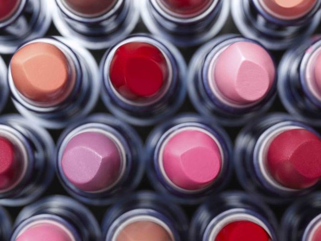 14 signs your makeup collection is out of control