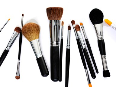 These makeup brush cleaning tips will blow your mind