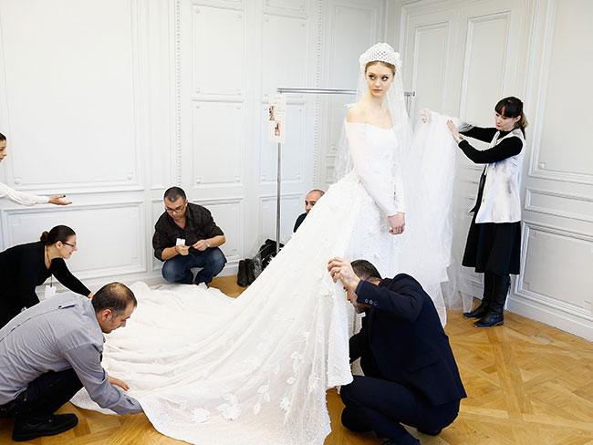 47 Fantasy Wedding Dresses That Will Make Your Heart Stop