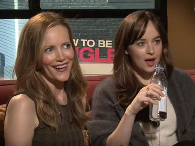 Leslie Mann and Dakota Johnson hit on reporter (and it's as awkward as you'd imagine)
