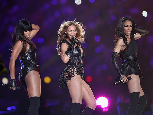 17 iconic moments from the Super Bowl halftime show