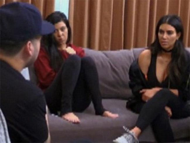 Kim gets stuck into rob over engagement to blac chyna in for Next new episode of keeping up with the kardashians